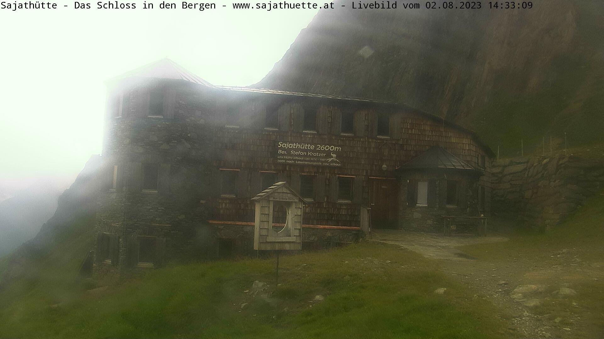 Webcam Neue Sajat-Hütte 2.600 m | Das Schloss in den Bergen